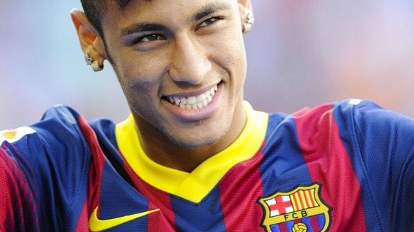A saúde bucal é o maior segredo de um belo sorriso, inclusive o do Neymar!