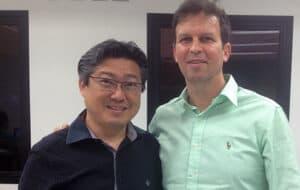 Dr. Adriano Abreu com Professora Paulo Kano, brasileiro e criador do SKYN Concept