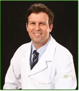 Dentista em Fortaleza. Dr. Adriano Abreu