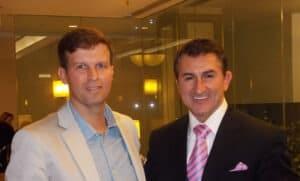 Dr. adriano abreu com Dr Dean Vafiadis em curso sobre odontologia estetica