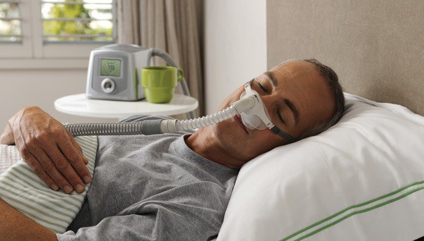 O CPAP é composto por uma máscara e um gerador de fluxo